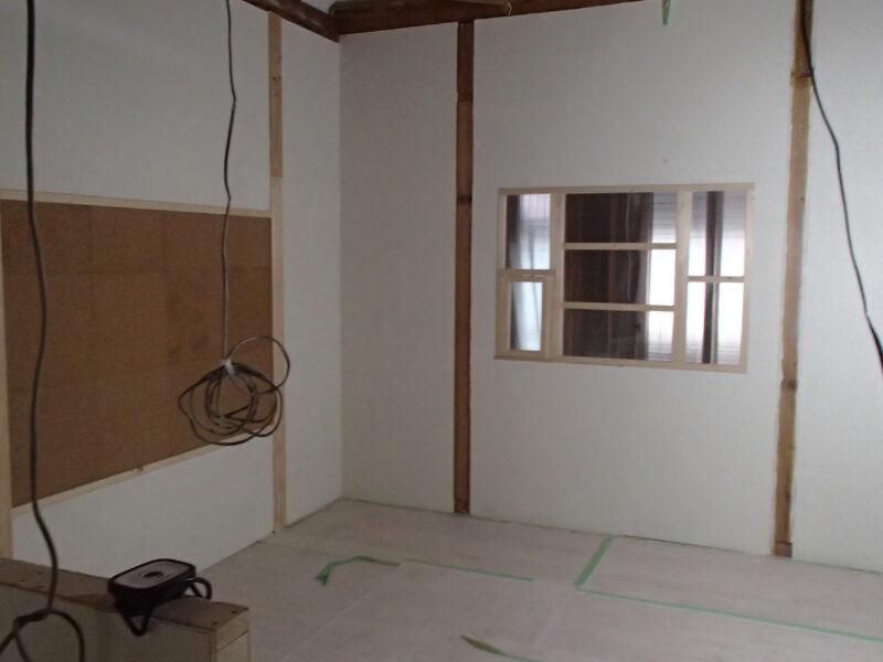 完成した室内採光窓